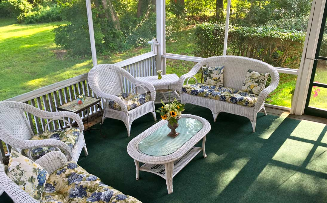 Enjoy the Peaceful Screen Inn Porch